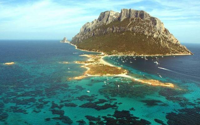 Cosa fare e vedere nel nord est della sardegna villaggio for Isola che da il nome a un golfo della sardegna