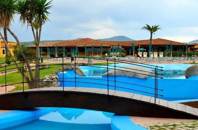 iti-hotels-baia-dei-pini-budoni-piscina-01